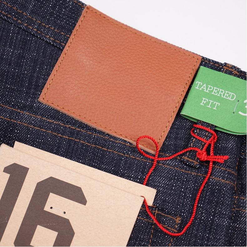 Джинсы The Unbranded Brand UB265 Tapered Fit Slubby 16 oz Selvedge