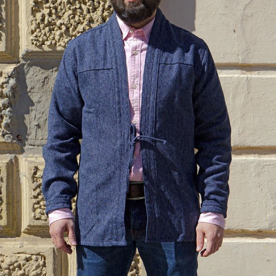 Kimono Outfit: Несколько вариантов легких овершот-кимоно от Naked and Famous и Universal Works. Все модели можно использовать с рубашкой как легкий пиджак или же носить на футболку. - Рубашка-кимоно Naked and Famous Kimono Heavyweight Japanese Brushed Tweed Navy - 13 400 ₽ - Пиджак-кимоно Universal Works Chambray Tie Front Jacket Indigo - 8 980 ₽ - Рубашка-кимоно Naked and Famous Kimono Shirt Kimono Circles Indigo - 9 980 ₽  Доступны в нашем магазине и онлайн - https://zefear.ru/19-naked-and-famous 📍Санкт-Петербург, ул. Мира, 5 ☎ +7 963 346 14 38 (12-21)  #Zefear #UniversalWorks #SS20 #madeincanada #NakedandFamous #NakedandFamousDenim #Japanesefabric #Sashiko #MadeinPortugal #workshirt #workwear #Chinopant #Astonpant #Chino #Overshirt #Selvedge #Selvaedenim #Selvage #Japanesedenim #HandMade #kimonooitfit #kimonoshirt #kimono #kolimonojacket #kyotojacket #tweed #sashiko #chambtay #mensfashion #menswear