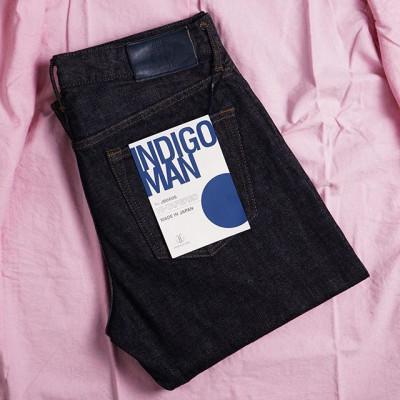 New in store: Новая модель от Japan Blue Jeans имеет популярный крой Hi-tapered, но выполнена из мягкого японского селведж денима средней плотности, весом в 14 унций. Для изготовления джинсового полотна использована смесь из двух разных видов хлопка. Для нити основы был использован мягкий длинноволокнистый хлопок из Зимбабве, а для нити утка использовали грубый американский хлопок. Комбинация двух видом хлопкового волокна придает джинсам возможность отобразить контрастный рисунок, но остаться комфортными, мягкими и прочными. Hi Tapered крой имеет универсальный и комфортный силуэт, обладает стандартной посадкой на поясе веше средней, в меру свободным кроем бедра и заметным заужением штанины от колена. One wash обработка - изделие прошло фабричную стирку и предварительную усадку в воде.  12480 рублей. Hand Made in Okayama, Japan! 📍Санкт-Петербург, ул. Мира, 5 ☎ +7 963 346 14 38 (12-21)  #Zefear #JapanBlue #JapanBlueJeans #Selvedge #Selvage #zimbabwecotton #casualstyle #санктпетербург #japanesedenim #vintagestyle #saintpetersburg ##японскийденим #copperlabel #Indigoman #selvedgedenim#Selvagedenim #японскиеджинсы #японский деним#taperedfit #okayamamade #handcrafted #handmade #mensfashion #menswear #jeans #denim #zimbabwecotton #japanbluejeans #jb0606 #saintpetersburg #
