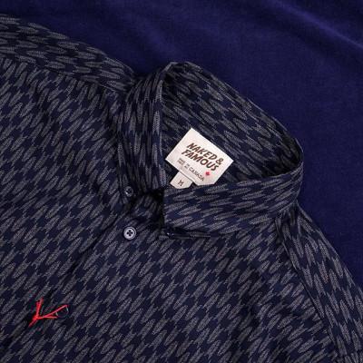 New in store:  Новинка осенней коллекции Naked and Famous - рубашка классического кроя Easy Shirt из японского хлопкового твила цвета темно-синего индиго с принтом в виде традиционного японского узора. Дополнена аккуратным классическим воротом на пуговицах и один нагрудным карманом.  Вся джинсовая продукция бренда создается на собственном производстве в Монреале, Канада! Japanese Denim. Made in Canada! 8400 рублей  Доступна в магазине и онлайн - https://zefear.ru/19-naked-and-famous?product_id=2088 📍Санкт-Петербург, ул. Мира, 5 ☎ +7 963 346 14 38 (12-21)  #Zefear #Selvedge #Selvage #Japanesedenim #Nakedandfamous #Nakedandfamousdenim #NakedandFamousZefear #NakedandfamousElephant8 #Midnightedition #arrowheads #japanesefabric #easyshirt #madeincanada #mensfashion #menswear